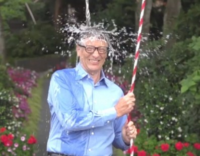 Veja 10 vídeos de desafios do balde de gelo que deram errado